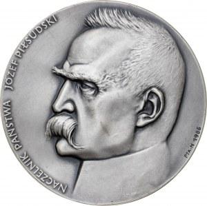 medal NACZELNIK PAŃSTWA JÓZEF PIŁSUDSKI, 1987, srebro Ag, masa rzeczywista: 146 g, nakład: 30 sztuk, CIENKI
