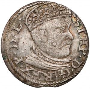 Stefan Batory, Trojak Ryga 1585 - duża głowa - lilijki