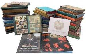Karton pełen albumów i filatelistyki różnej