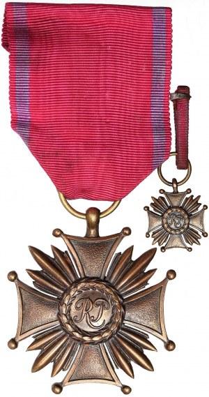 II RP, Brązowy Krzyż Zasługi Gontarczyk z miniaturą