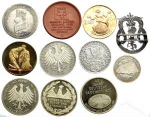 Zestaw 11 medali i odznaczeń (w tym srebrne)