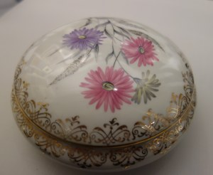 Porcelanowa bomboniera z Limoges