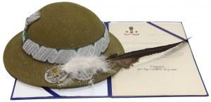 Pamiątkowy kapelusz podhalański dla gen. Włodzimierza Sawczuka
