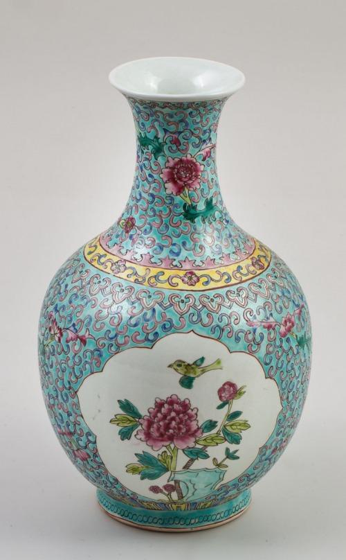 WAZON, Chiny, Kanton, XIX w., Porcelana, farby naszkliwne, wys. 28 cm