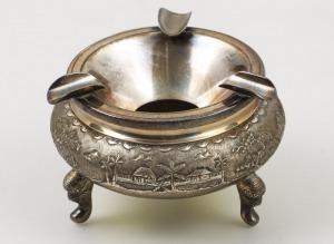 POPIELNICZKA, Wietnam, 2 poł. XX w., Metal srebrzony, waga 101 g, wys.5, śr. 8 cm