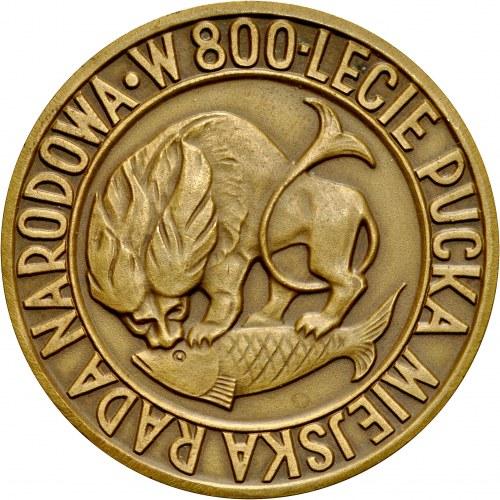 Medal autorstwa I. Popina z 1960 roku, poświęcona 800-leciu miast Pucka.