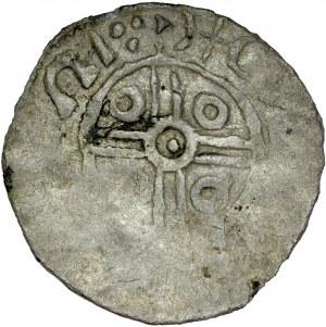Denar jednostronny, nieokreślona imitacja typu łupawskiego naśladująca rewers denara angielskiego, Av.: Krzyż z podwójnych linii, centralnie kółko, miedzy ramionami kółka, imitacja napisu.