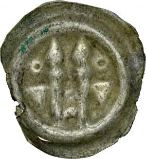 Łużyce, Brakteat XIII w., Av.: Dwie włócznie, po bokach tarcze.
