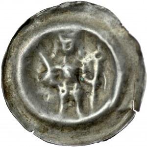Brakteat guziczkowy II poł. XIII w., Brakteat guziczkowy, nieokreślona dzielnica, Av.: Stojący książę trzyma miecz i włócznie.