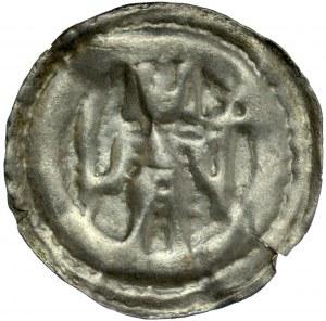 Brakteat guziczkowy II poł. XIII w., Brakteat guziczkowy, nieokreślona dzielnica, Av.: Stojący książę trzyma gałązkę palmowa i krzyż.