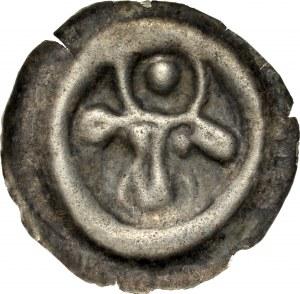 Pomorze Wschodnie, Świątopełk II Wielki 1217-1266, Brakteat guziczkowy, Pomorze Gdańskie, Av.: Łeb wołu, między rogami duża kropka, RR.