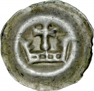 Brakteat guziczkowy, Av.: Korona, nad nią krzyżyk wsparty na kropce.