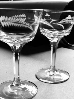 Para szklanych, ozdobnych kieliszków (2 szt.)