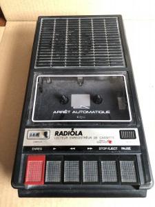 Odtwarzacz kaset z funkcją nagrywania marki Radiola