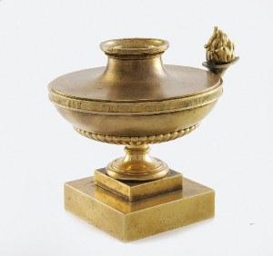 Firma BRACIA ŁOPIEŃSCY, Lichtarzyk w formie lampki oliwnej