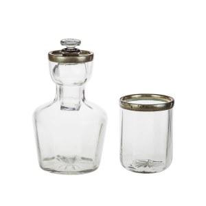 Karafka dla jednej osoby ze szklanką