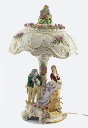 Schierholz'sche Porzllanmanufaktur, Plaue, Lampa porcelanowa z kloszem z litofaniami i rozmawiającą parą przy trzonie