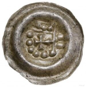Brakteat, po 1236 roku; Ramię w prawo trzymające propor...