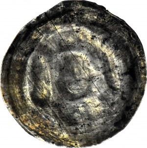 R-, Polska dzielnicowa, Henryk I Brodaty 1201-1238 lub Henryk II Pobożny 1238-1241, Brakteat ratajski,Głowa z mieczem i proporcem