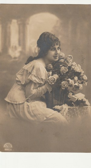 KRESY. Portet kobiety, wyd. ok. 1923; cz.-b., stan db, drobne zabrudzenia