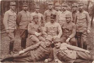 EUROPA. Grupa żołnierzy, wyd. ok. 1918; cz.-b., stan db