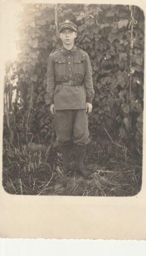 EUROPA. Mężczyzna w mundurze, wyd. przed 1939; cz.-b., stan bdb, bez obiegu