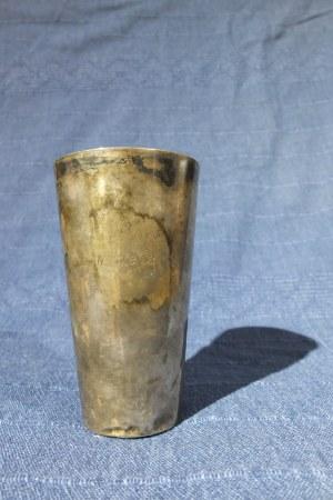 MILICZ. Srebrny kubek, st. bdb., wys.: ok. 120 mm, średnica u góry: ok. 65 mm