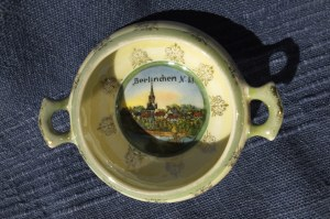 BARLINEK. Naczynie z ceramiki z uszkami, na denku widok -kolor, st. bdb, wys.